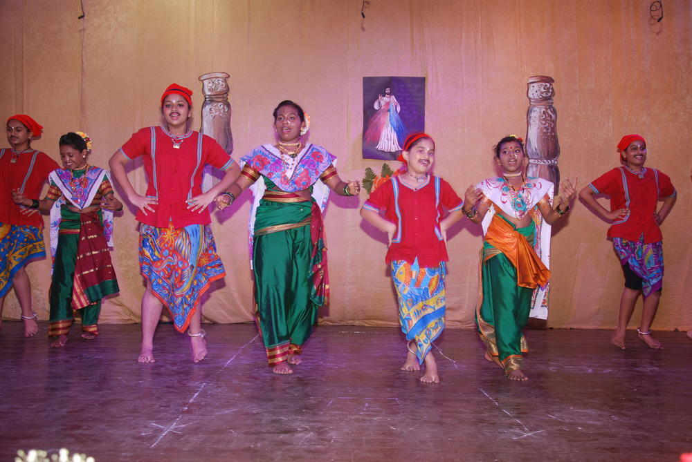 Koli dance (A part of the Hindi skit)