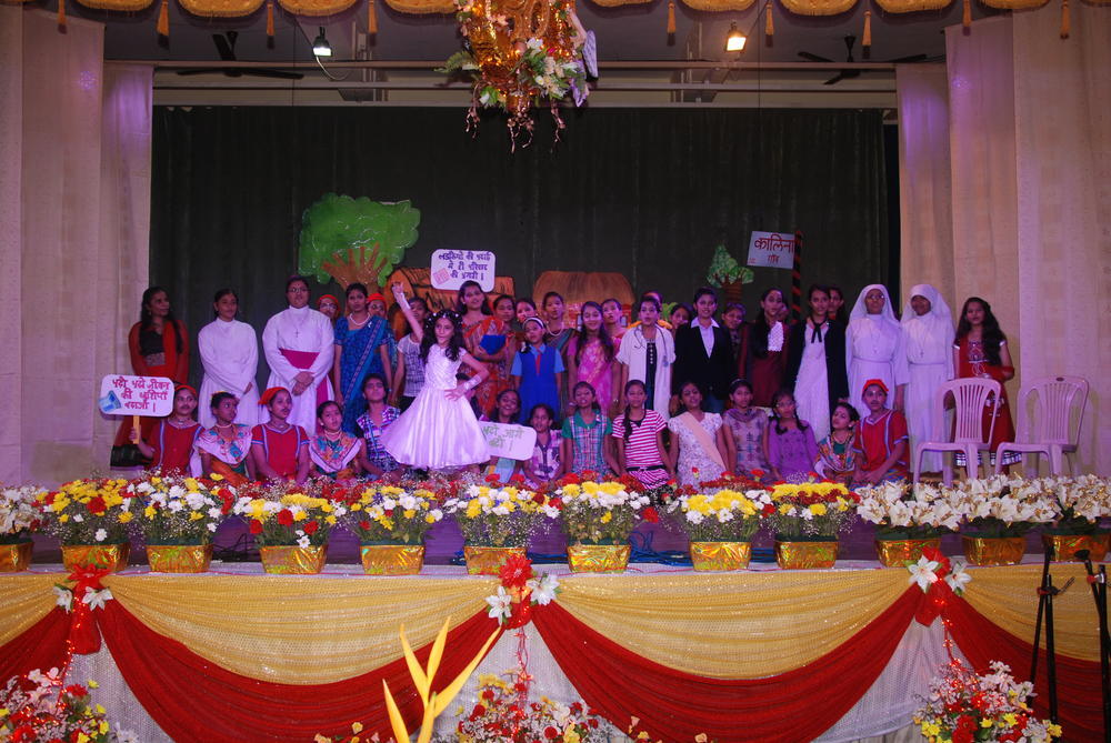 The cast of the Hindi skit
